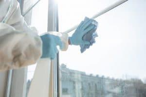 Entretien des vitres fréquence à laquelle les nettoyer
